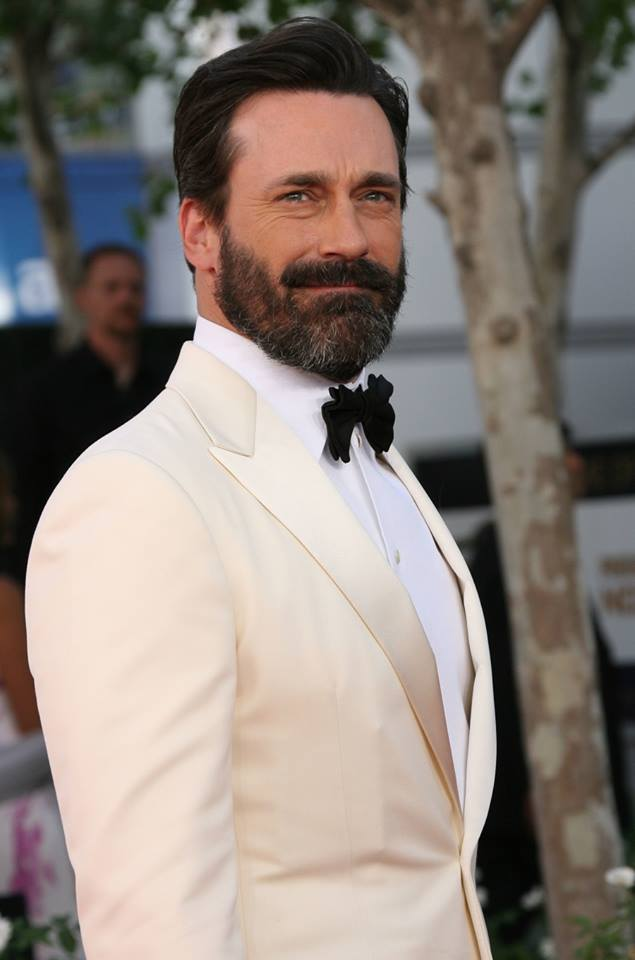 Jon Hamm with a big ol' beard at the Emmy Awards. Hot or not?!