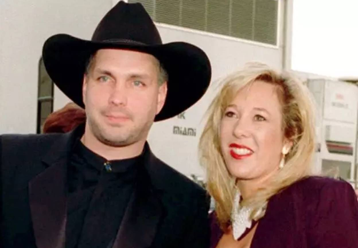 Add to your Garth Brooks knowledge!