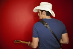Brad Paisley Takes Us to the 'River Bank'
