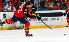 Hayes, 24, has played in 96 career National Hockey League games with Florida (2013-2014) and Chicago , scoring 17 goals with 14 assists and
