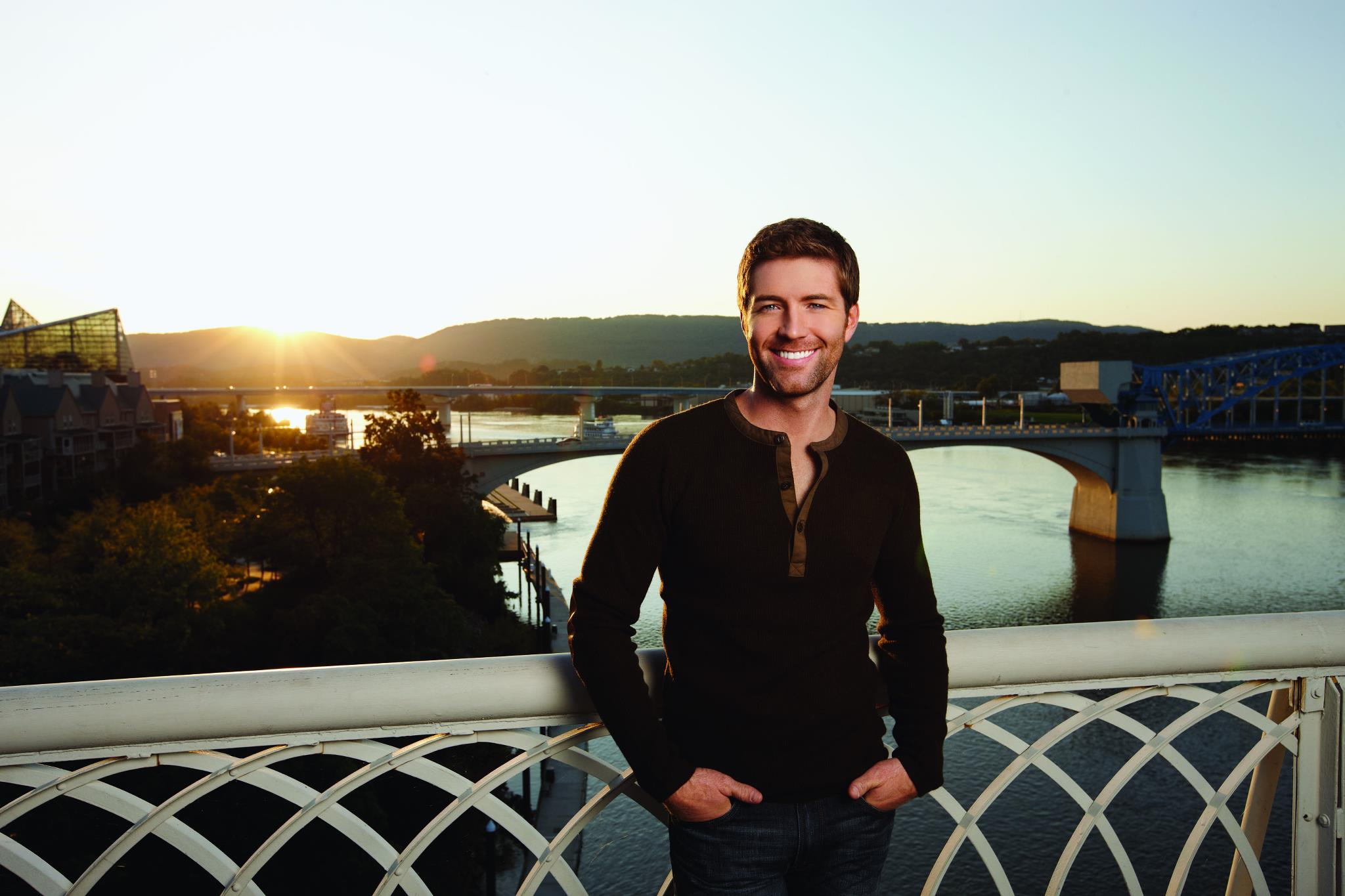 HOTTEST MEN IN COUNTRY MUSIC: JOSH TURNER