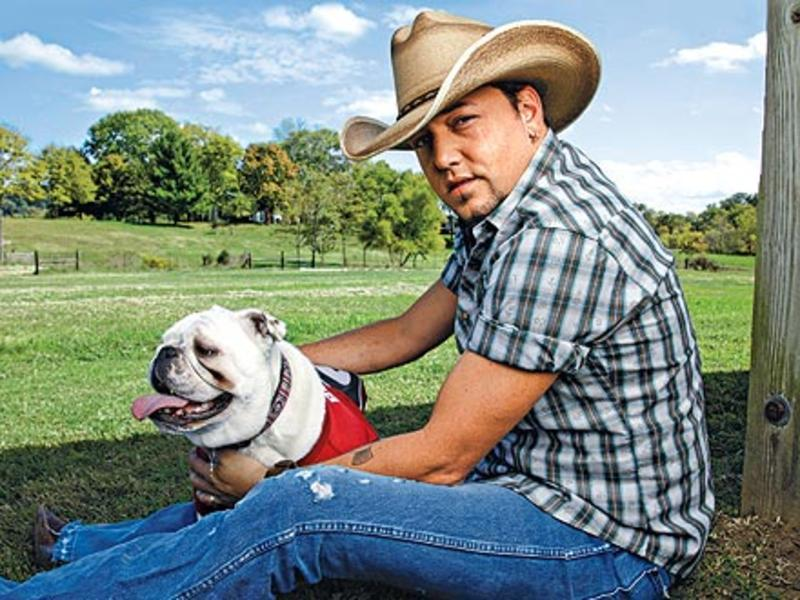 jason aldean with athens the bulldog