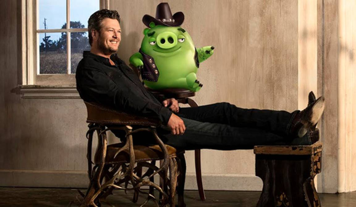 blake shelton and earl the pig