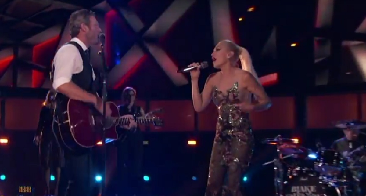 "Blake Shelton and Gwen Stefani Perform Duet on ""The Voice"""