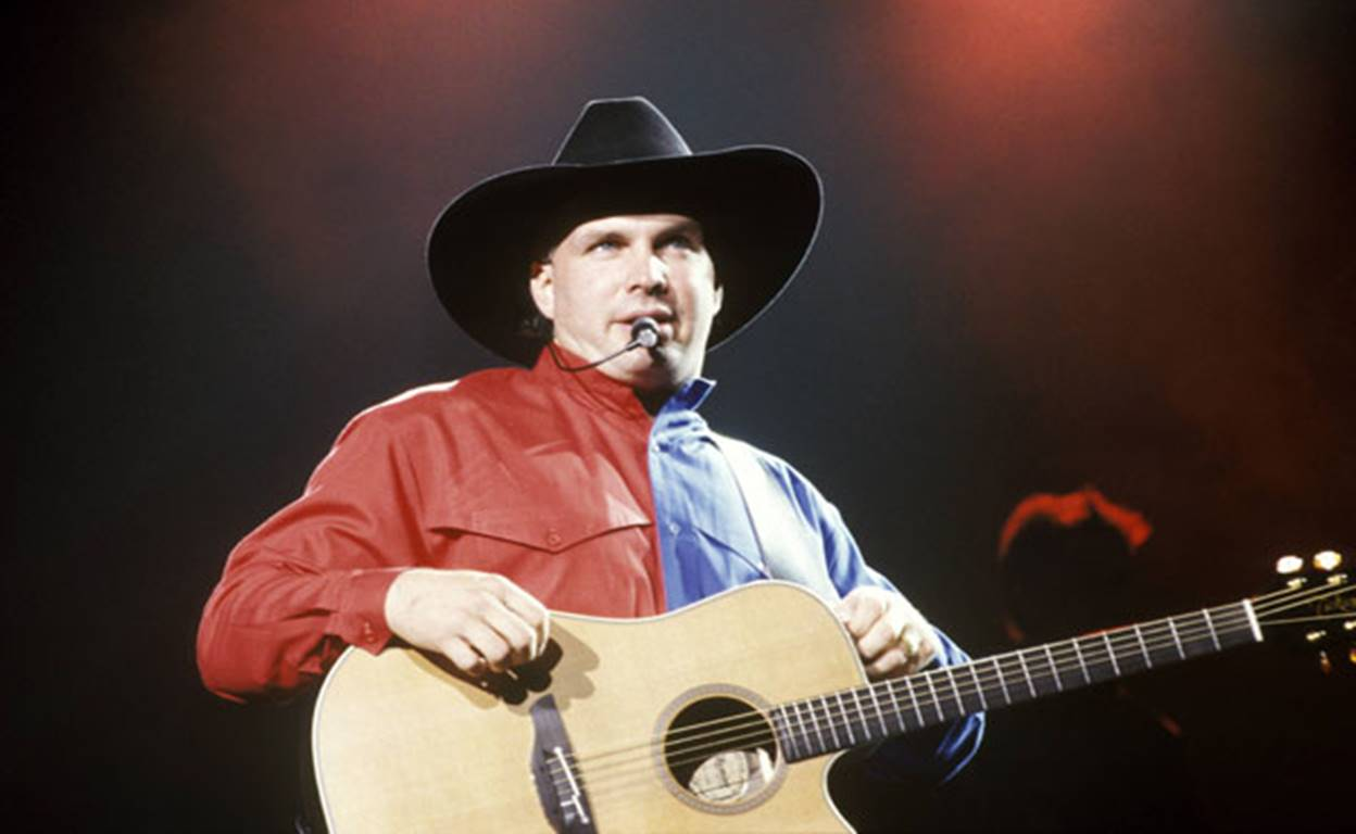 garth brooks in 1990