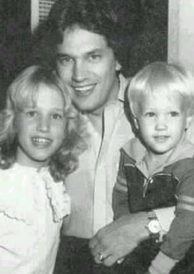 george strait with children