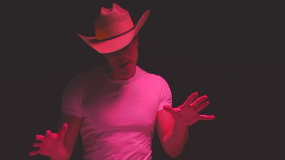 Dustin Lynch Music Video for his song Seein' Red