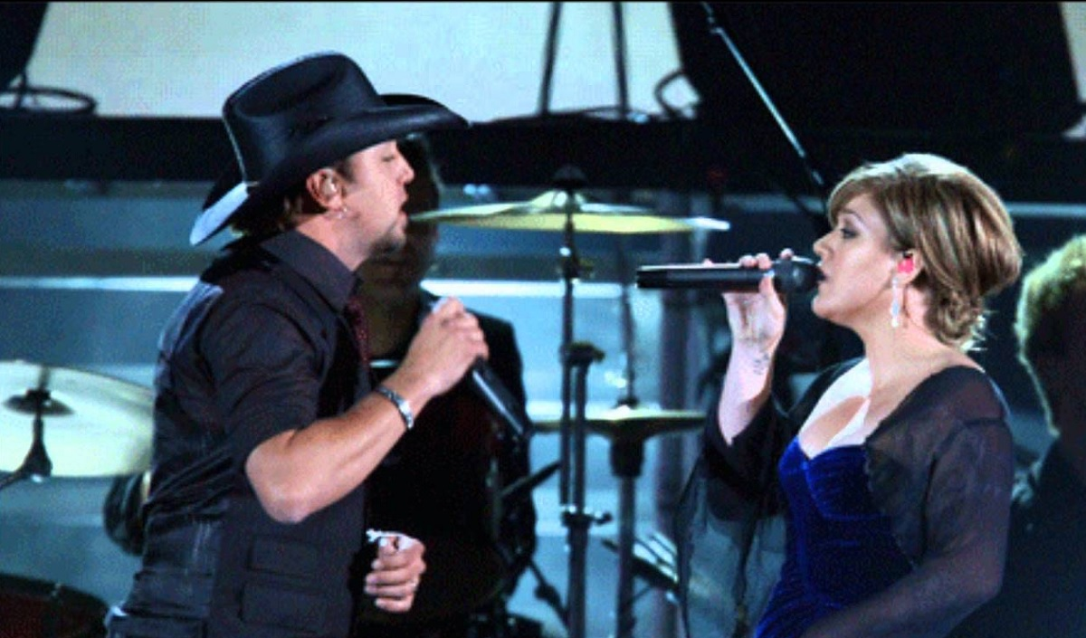 "Jason Aldean and Kelly Clarkson ""Don't You Wanna Stay"" Music Video and Lyrics"