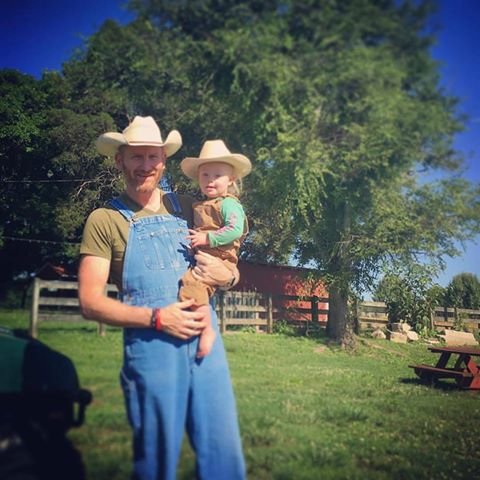 rory and indy feek in hats