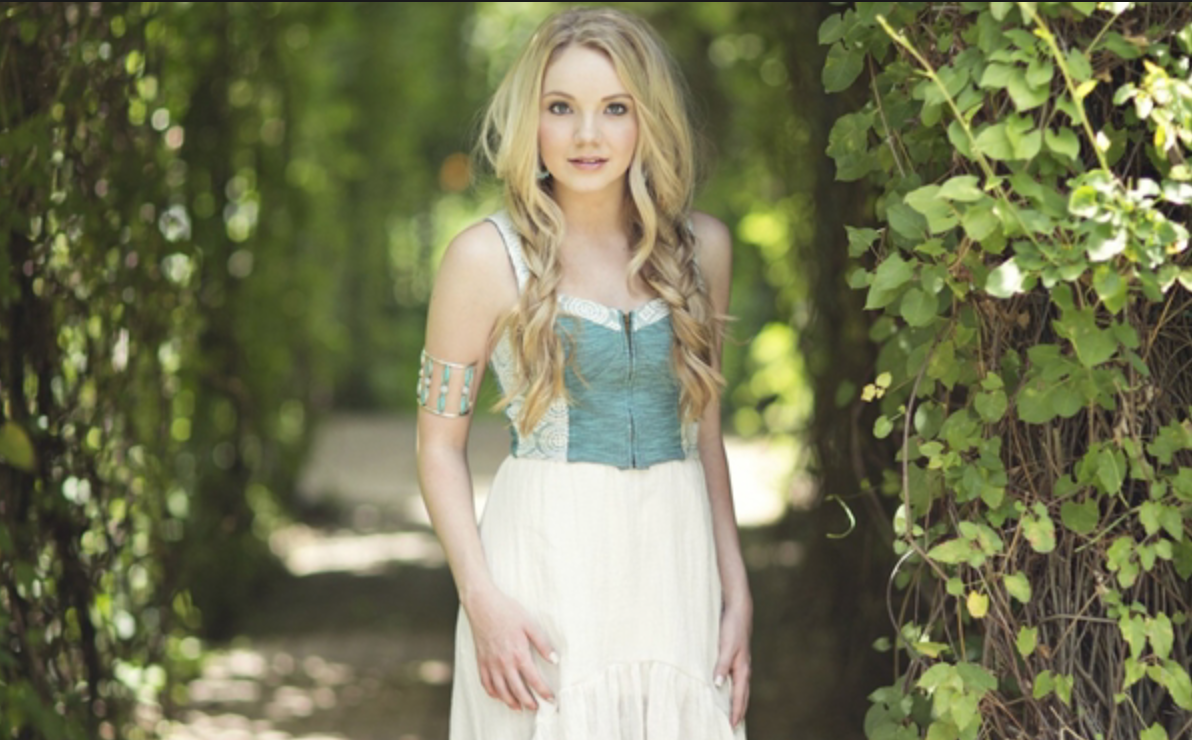 "Danielle Bradbery ""The Heart of Dixie"" Video & Lyrics"