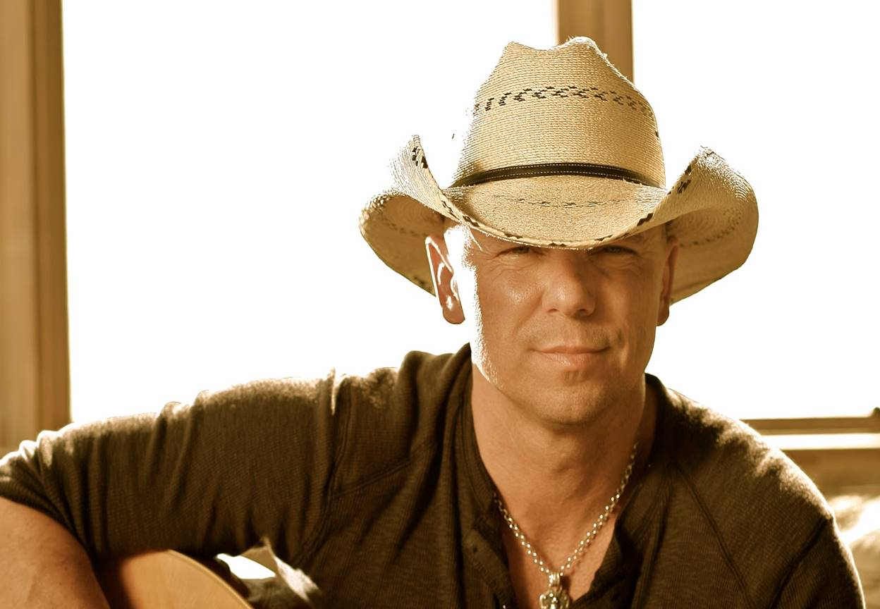 Kenny Chesney Receives President's Award At 2016 BMI Country Awards