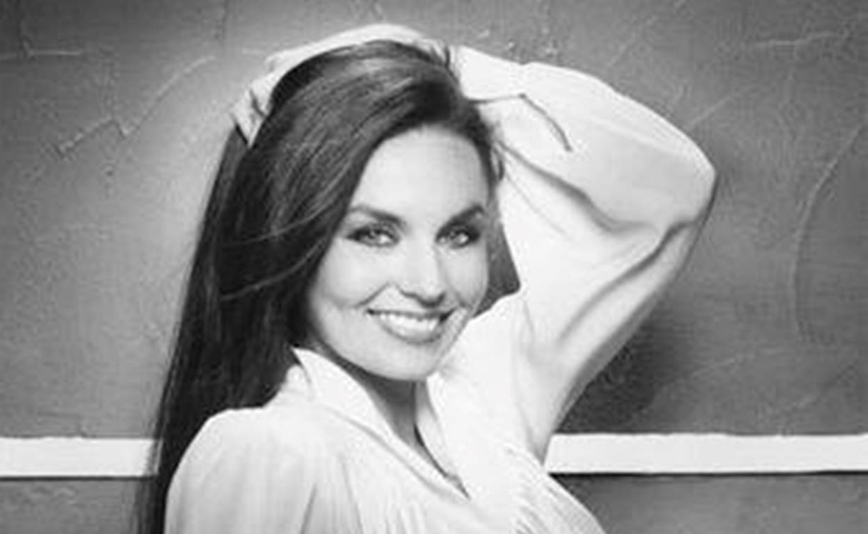 crystal gayle facts