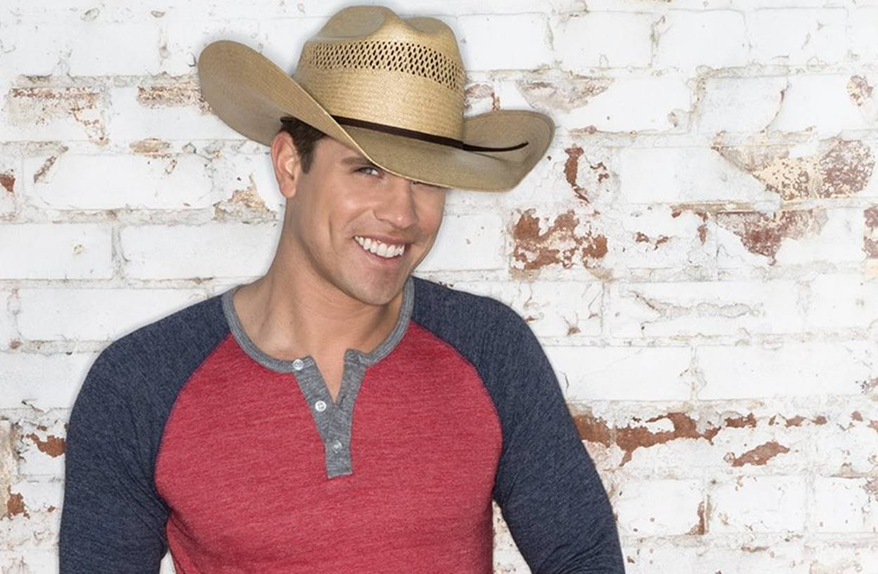 dustin lynch facts