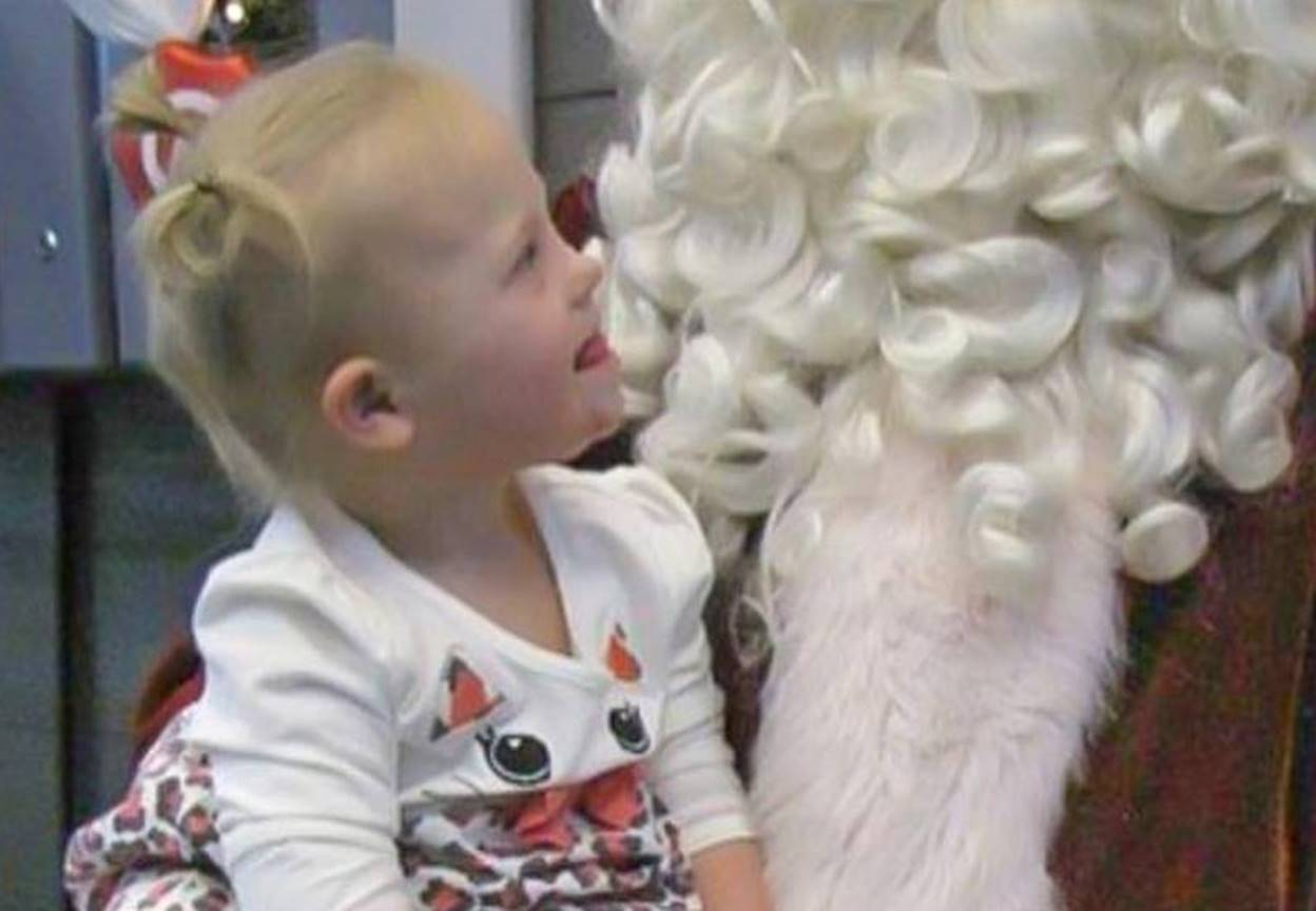 "Indy Feek Meets Santa, Lands on ""Nice"" List [Pictures]"