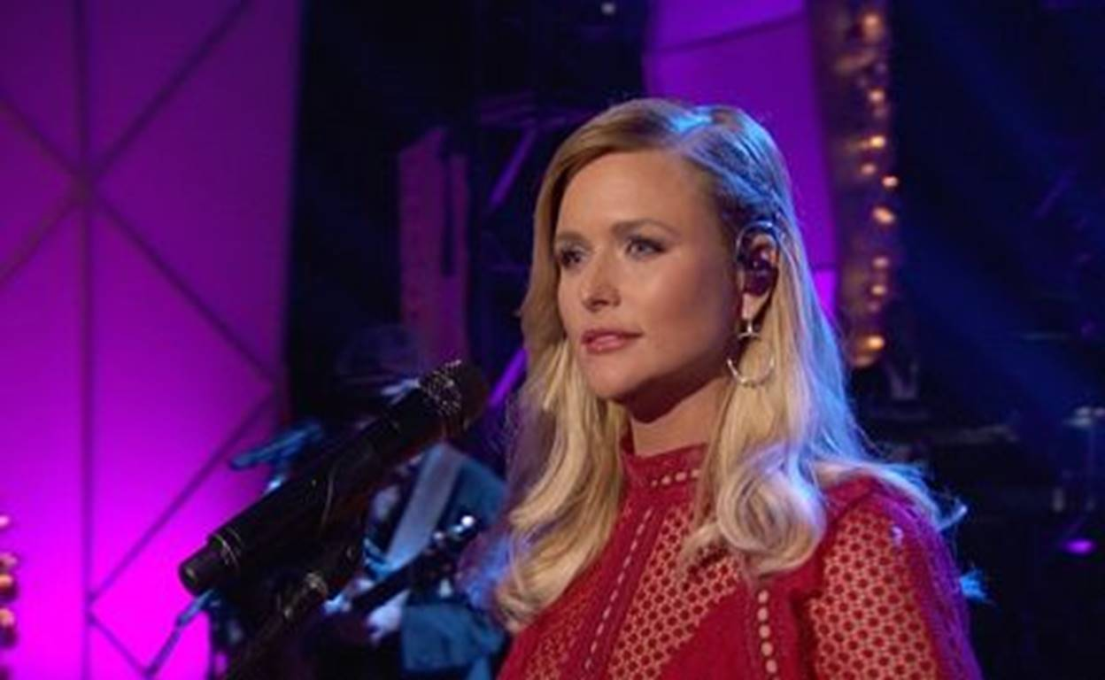 "Miranda Lambert Headlines ""A Home For The Holidays"" on CBS"