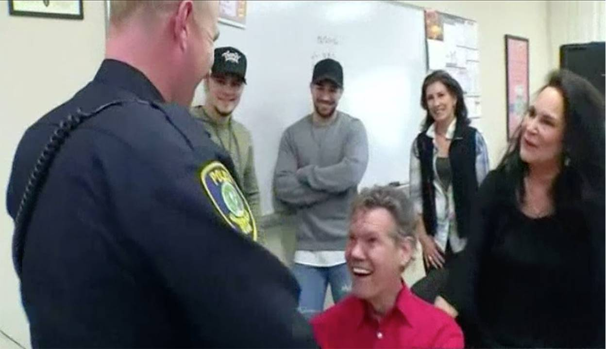randy travis police officer