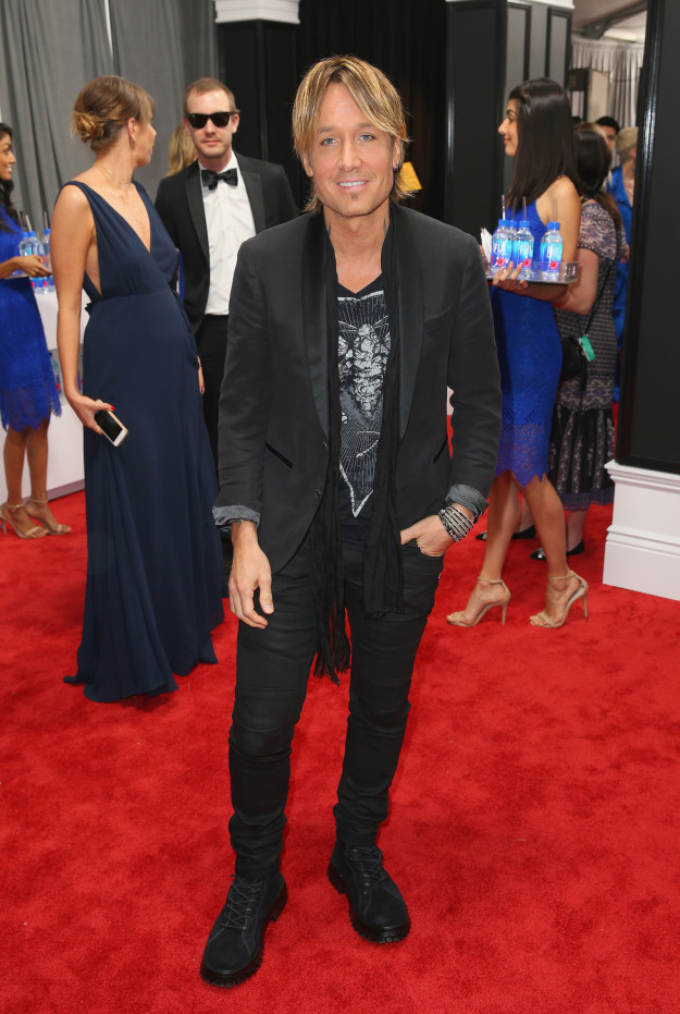 keith urban, 2017 grammy awards red carpet