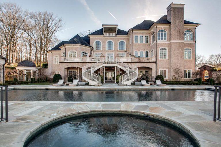 kelly clarkson mansion