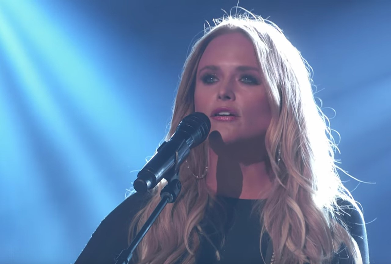 revisit miranda lambert 39 s stunning tin man acm awards