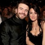 sam hunt wife