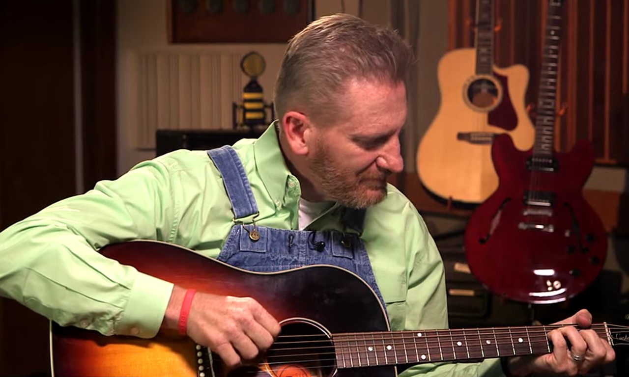 Rory Feek Performs