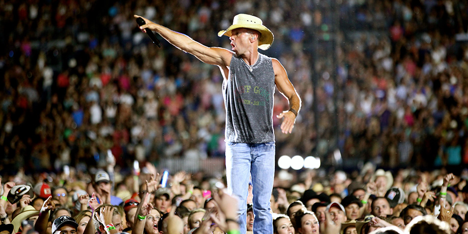 Inspired by his fan club, the No Shoes Nation, Kenny Chesney changes things up for his 2016 tour.