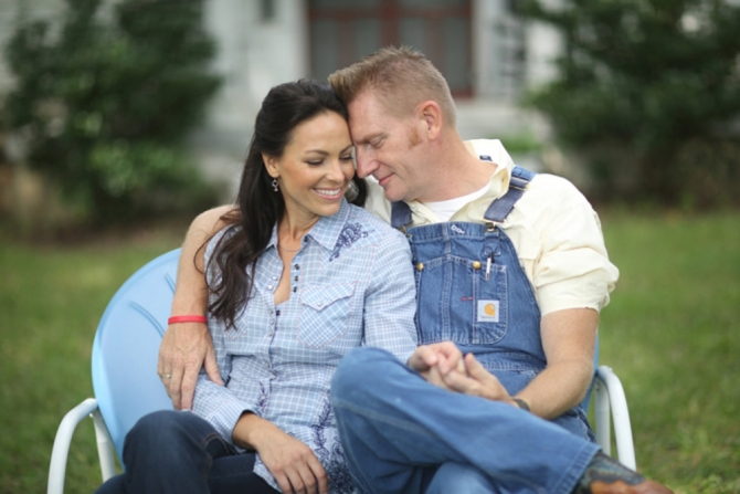 Watch the making of the music video for Joey and Rory Feek's emotional song