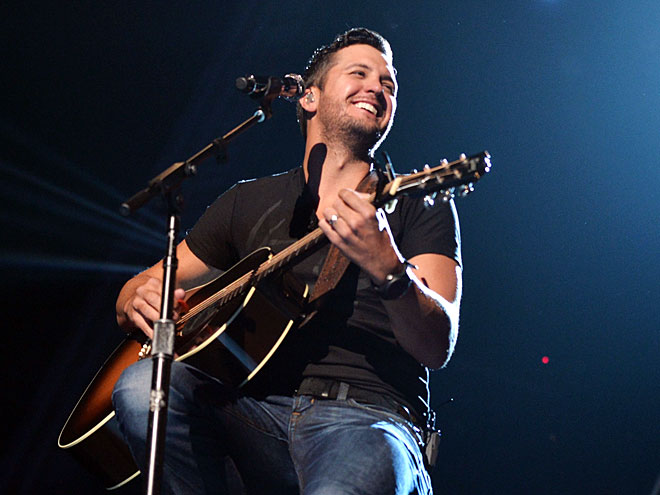 Watch Luke Bryan's Lyric Video