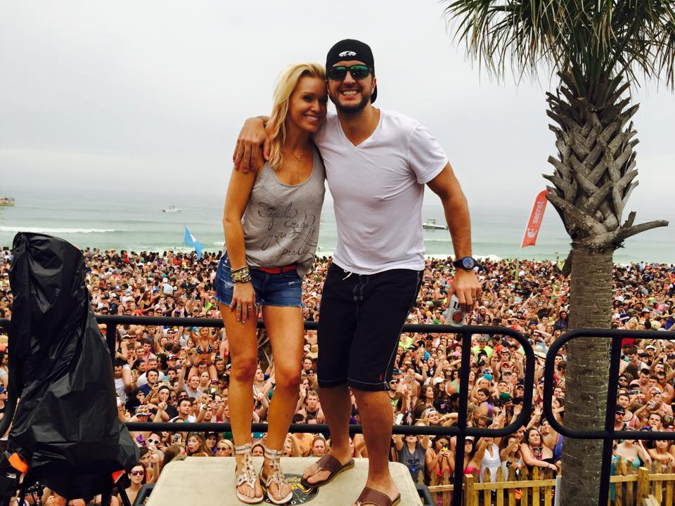 Luke bryan and caroline boyer in college for How many kids does luke bryan have