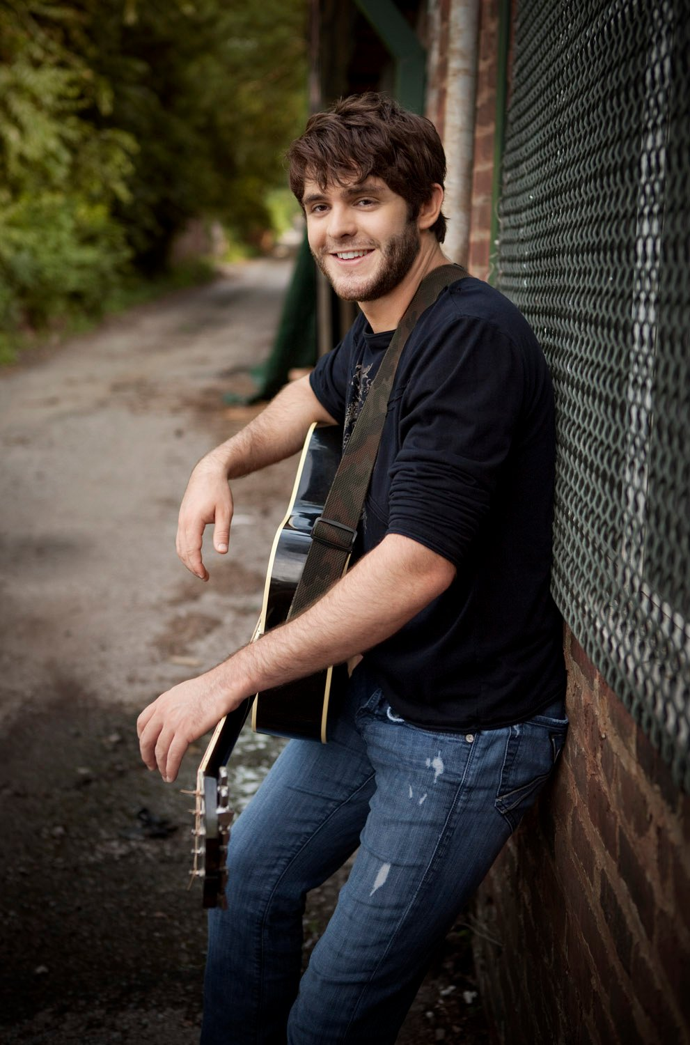 Thomas Rhett Partners with Health Club Empire Snap Fitness