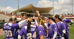 LSU Retakes Top Spot in Top 25 Poll