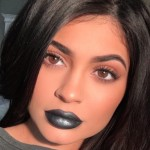 Kylie Jenner Spends $100 At a Lemonade Stand?