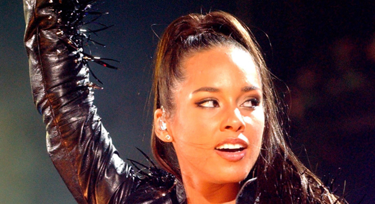 Alicia Keys Makes Her Concert a Phone-Free Zone With THIS New Device