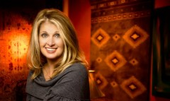 Watch some classic Country Music from Linda Davis . . .[Videos]