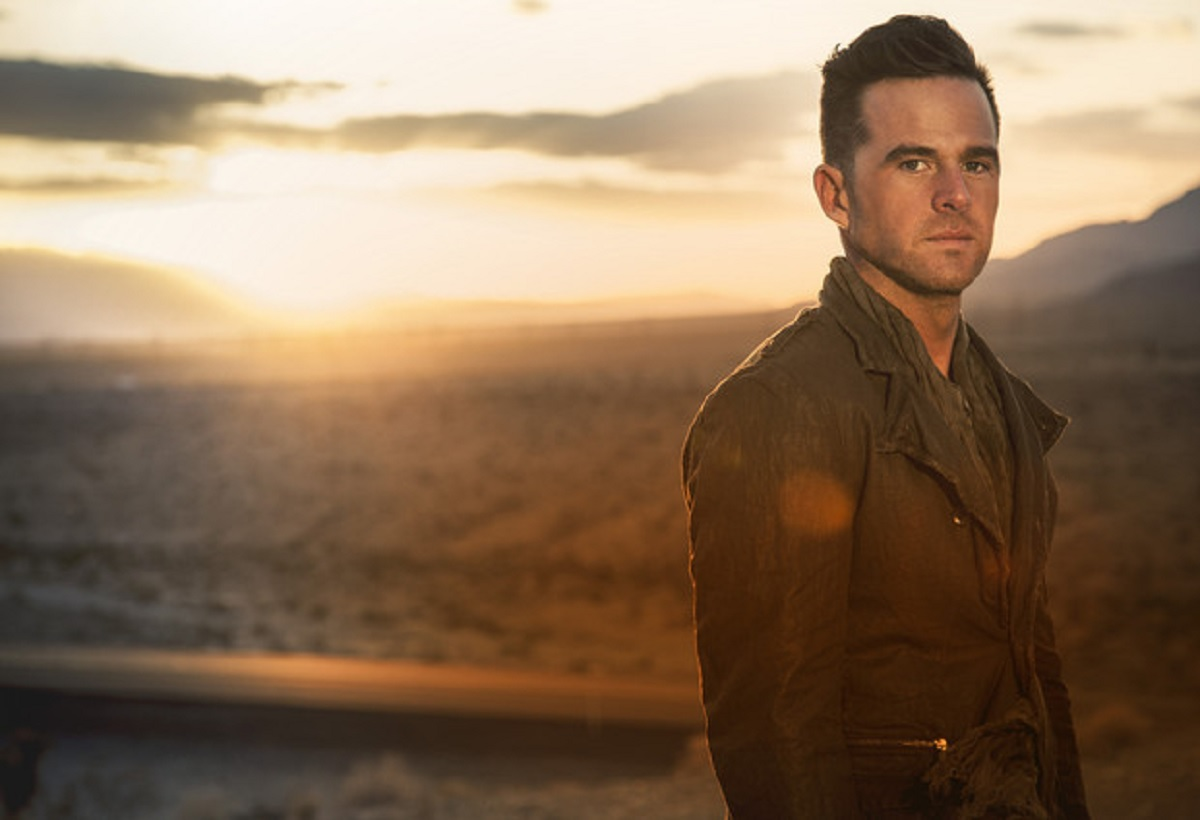 """Watch David Nail's performance video for """"Nights on Fire"""" . . ."""