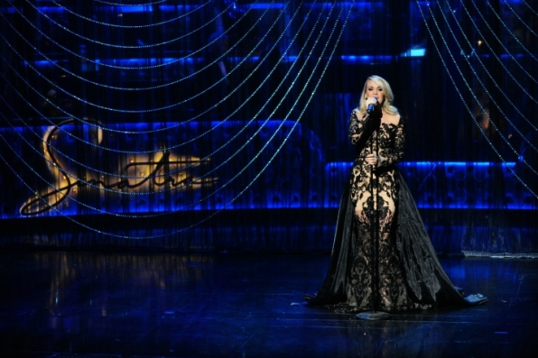 carrie underwood performs at Sinatra 100