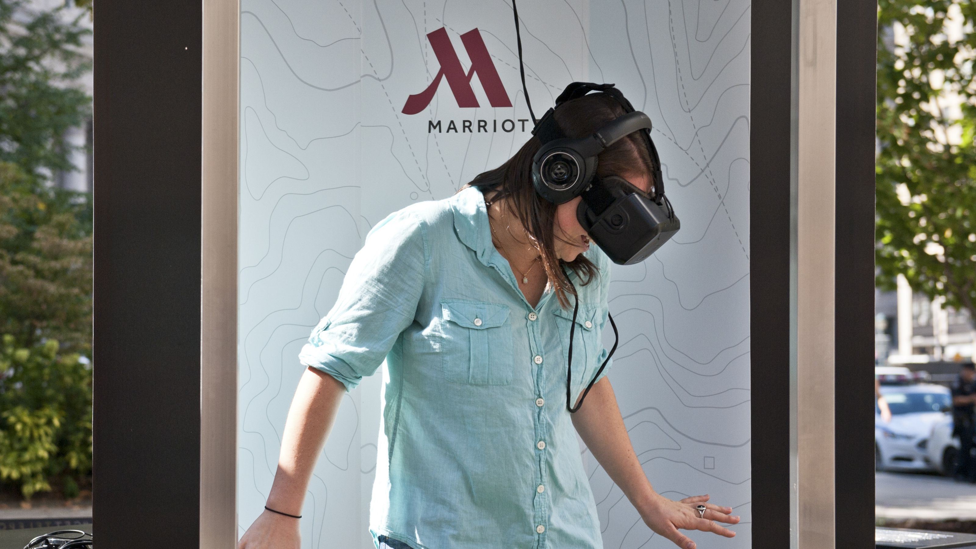 Marriott Hotels and Resorts is transporting people all around the world through virtual travel!! Click below to find out more!