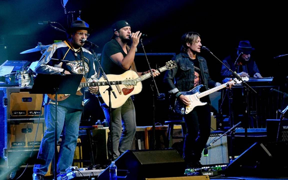 strip it down: luke bryan, keith urban, vince gill