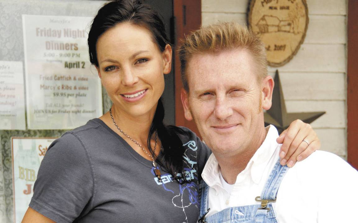 Rory Feek Finds Comfort in Simple Front Porch Ritual