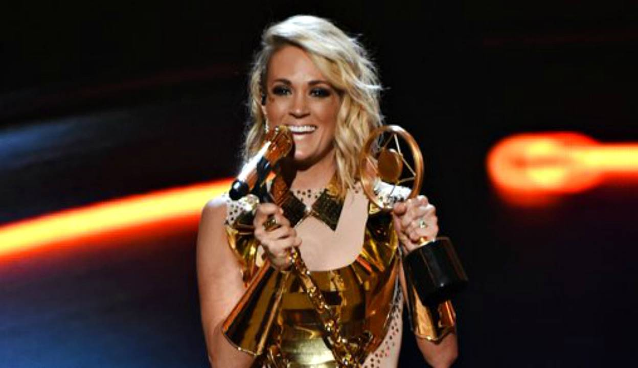 carrie underwood 2016 ACCAs