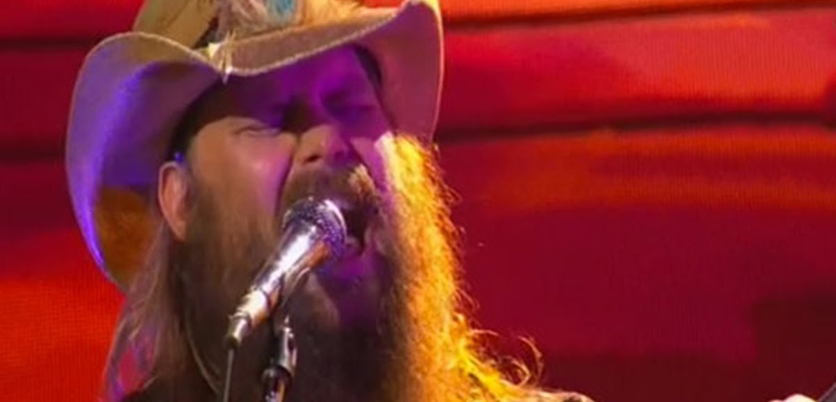 "Chris Stapleton performs ""Parachute"" at the 2016 CMT Awards"