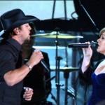 Jason Aldean and Kelly Clarkson
