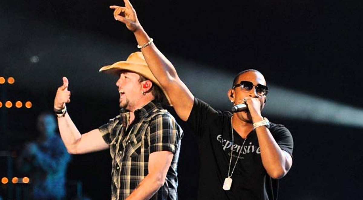 "Jason Aldean's ""Dirt Road Anthem"" featuring Ludacris"