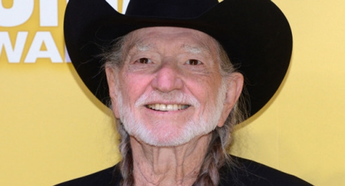 Willie Nelson Is Expanding His Tour AND Releasing a NEW ALBUM!