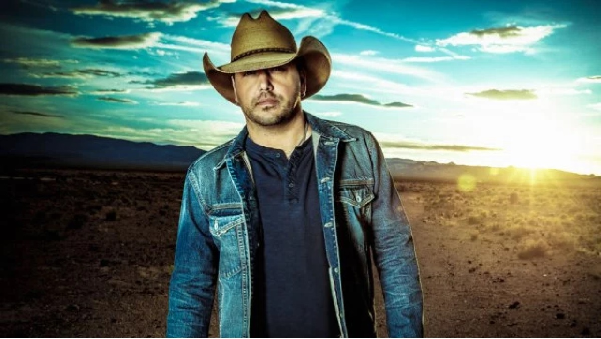 "Jason Aldean ""A Little More Summertime"" (Video and Lyrics)"