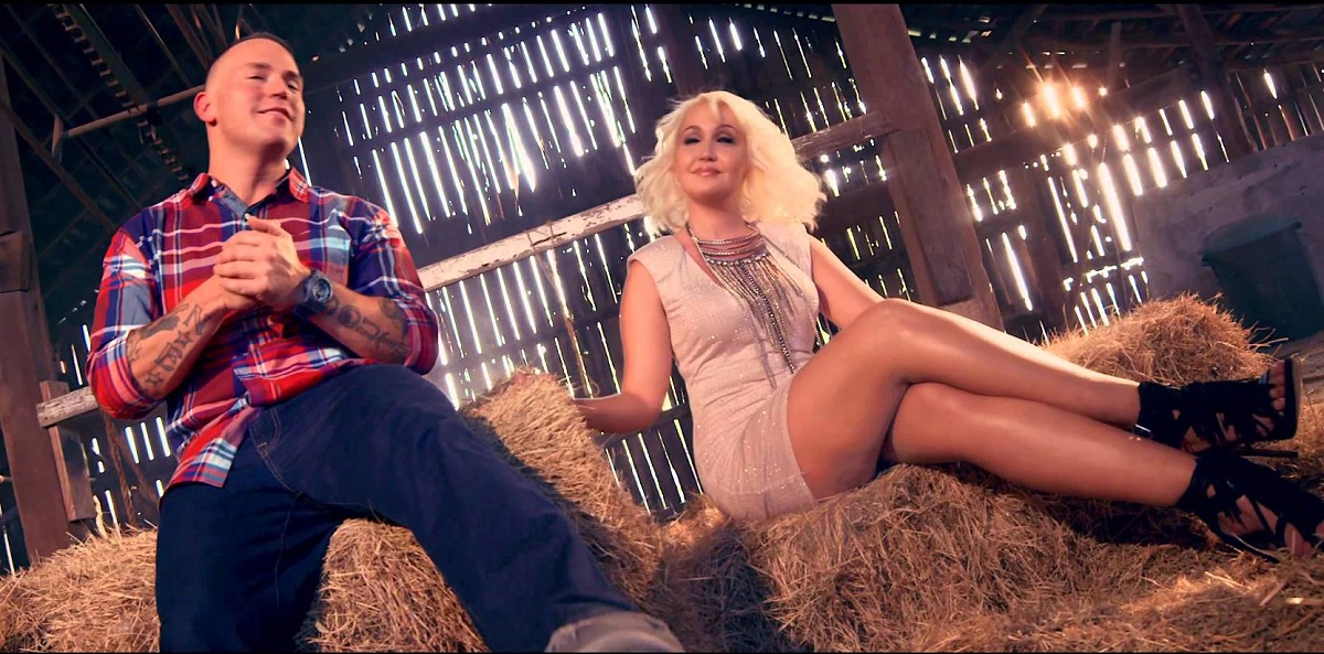 """Meghan Linsey Bubba Sparxxx Perform """"Try Harder Than That"""""""