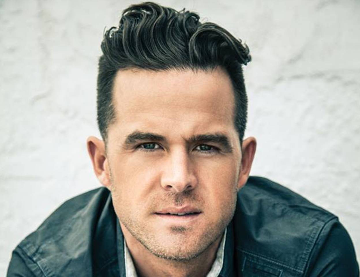 David Nail Expertly Covers Elvis, Adele, & Phil Collins