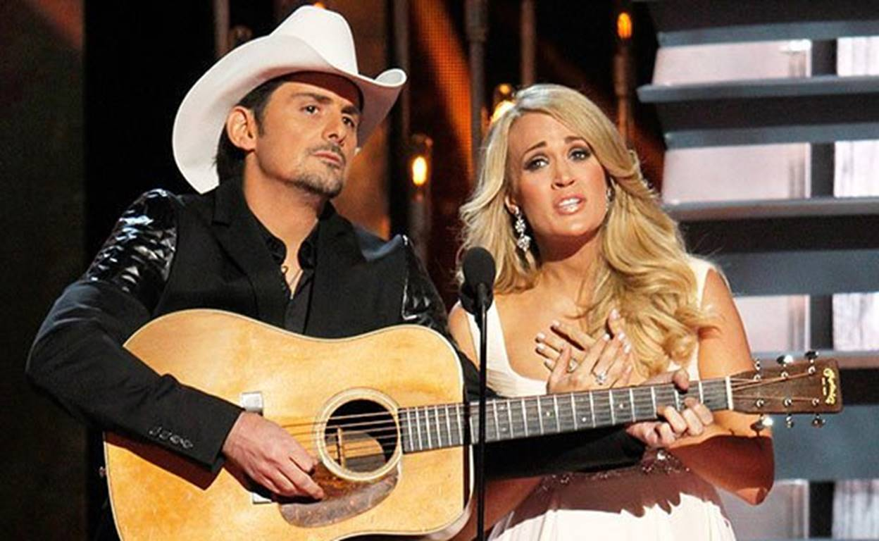 carrie underwood brad paisley cma awards