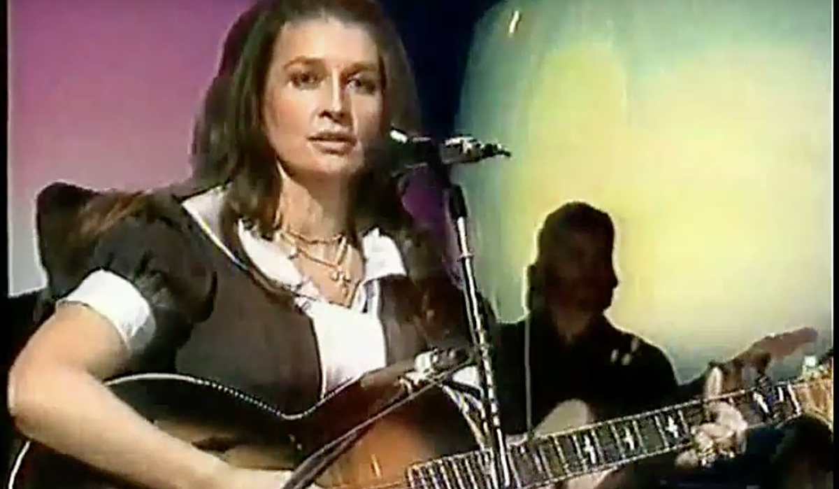"""Anita Carter """"Loving Him Was Easier"""" on The Johnny Cash Show"""
