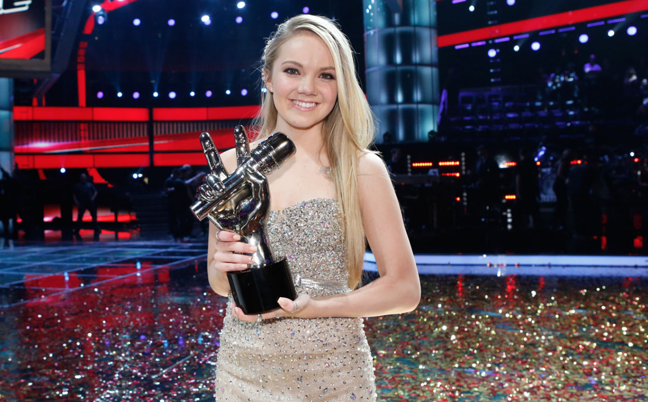 Get The Look: The Voice's Danielle Bradbery and Her Awesome Dutch Waterfall BraidHairstyle